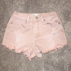 Light pastel pink ripped high rise short